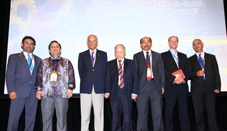 RSPO Sec General with  MOSTA Public Forum panellists.